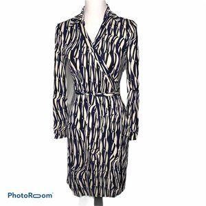 DIANE VON FURSTENBERG  Size 8 100% Silk Wrap Dress